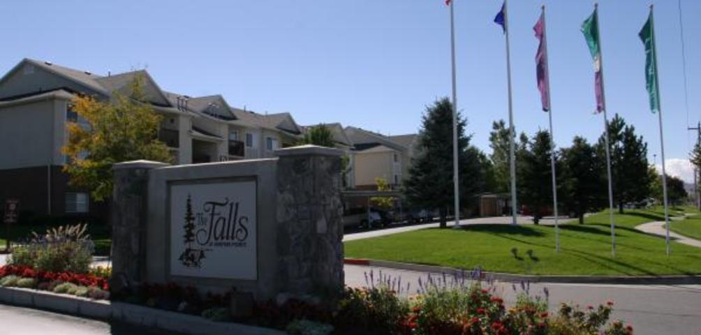 Falls at Hunters Pointe Apartments